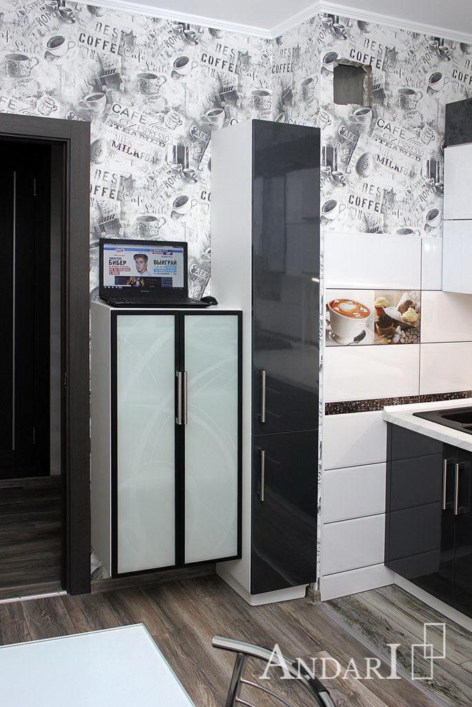 Шкаф-пеннал на кухне