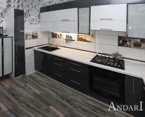 Прямая кухня, объединенная с лоджией Андари