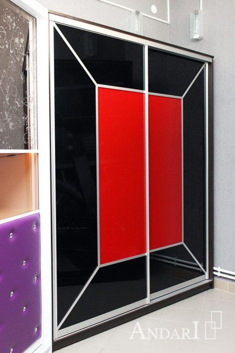 Шкаф-купе с красным и черным стеклом Андари