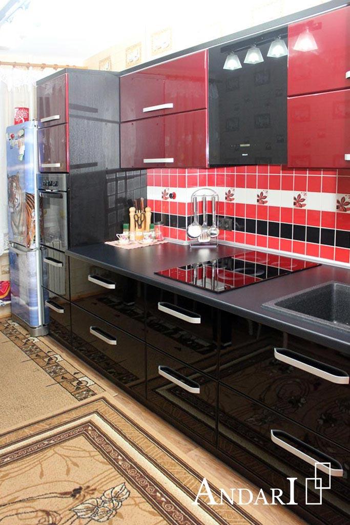 Прямая красно-черная кухня Андари