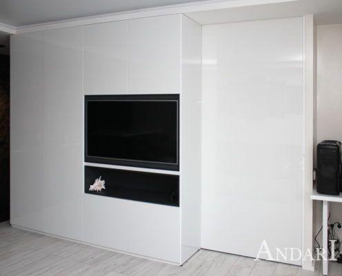 Распашные шкафы в квартире-студии. Андари