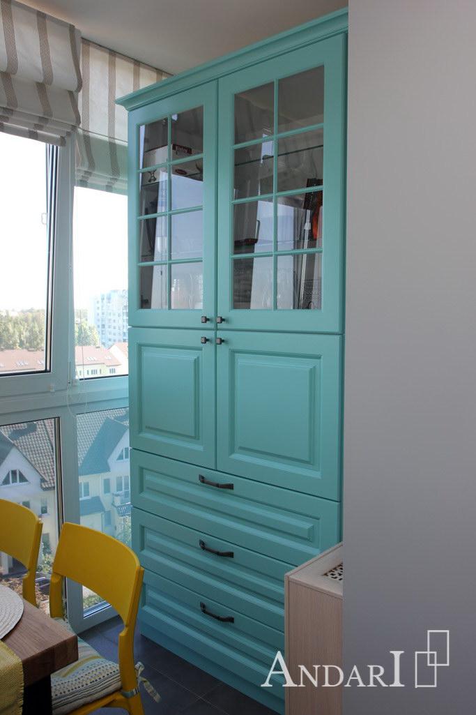 Шкаф-витрина на кухне