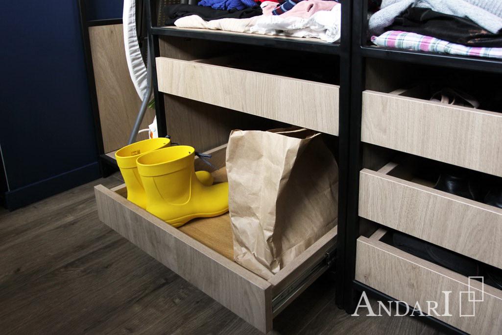 Андари: выдвижные ящики в гардеробной