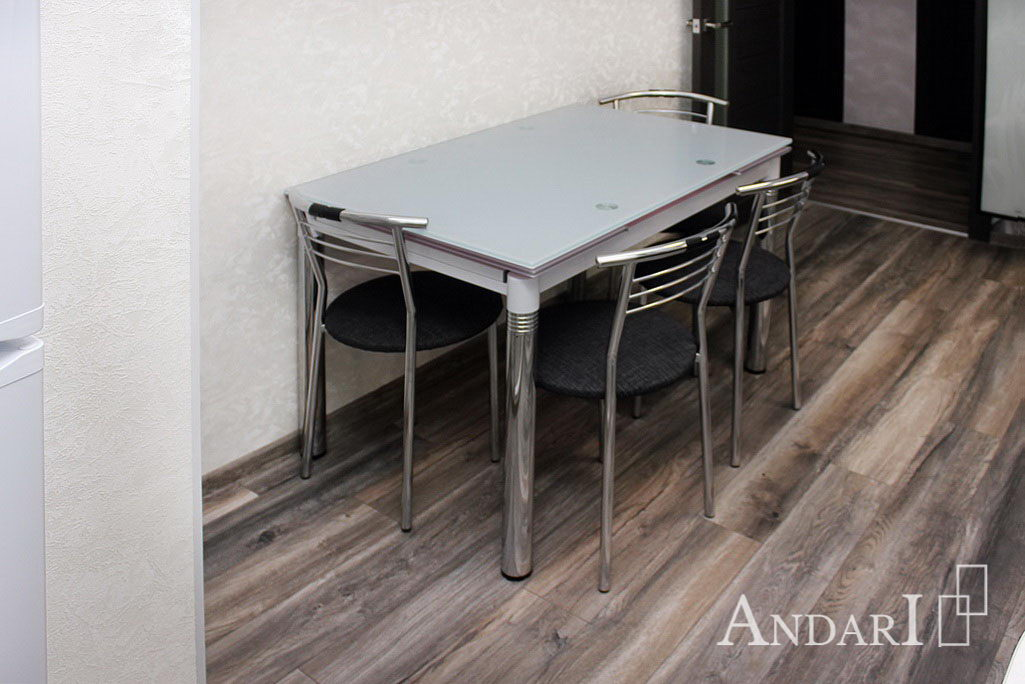 Стеклянный обеденный стол - Андари