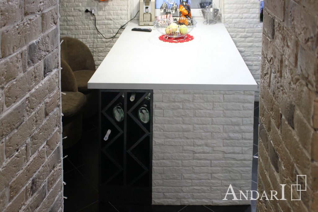 Бутылочница в столе-острове - Андари