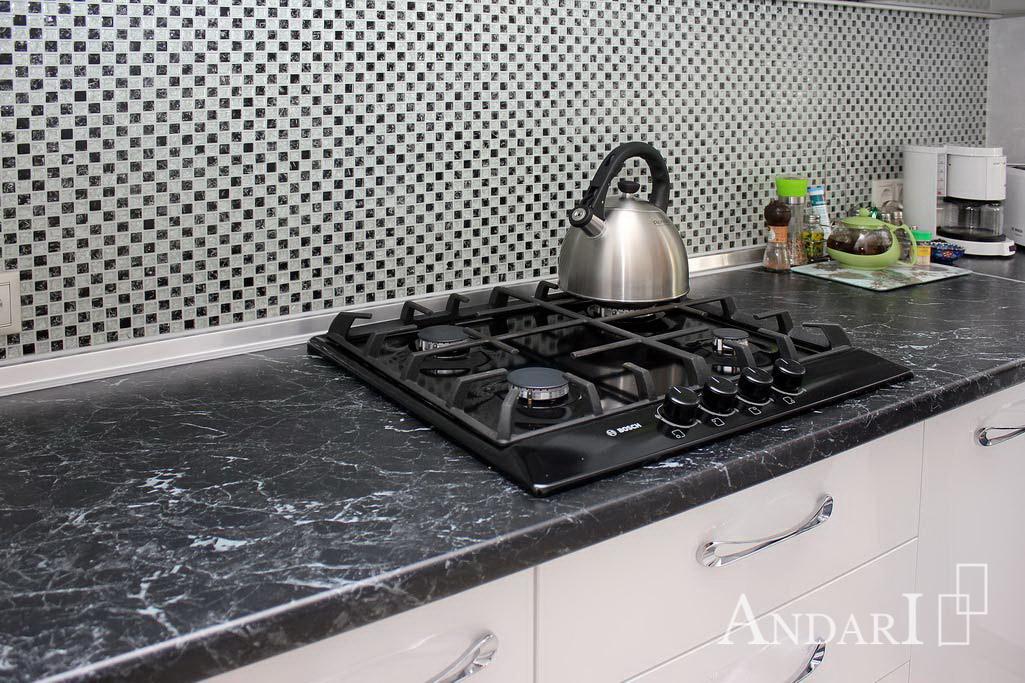врезная варочная панель на кухне Андари