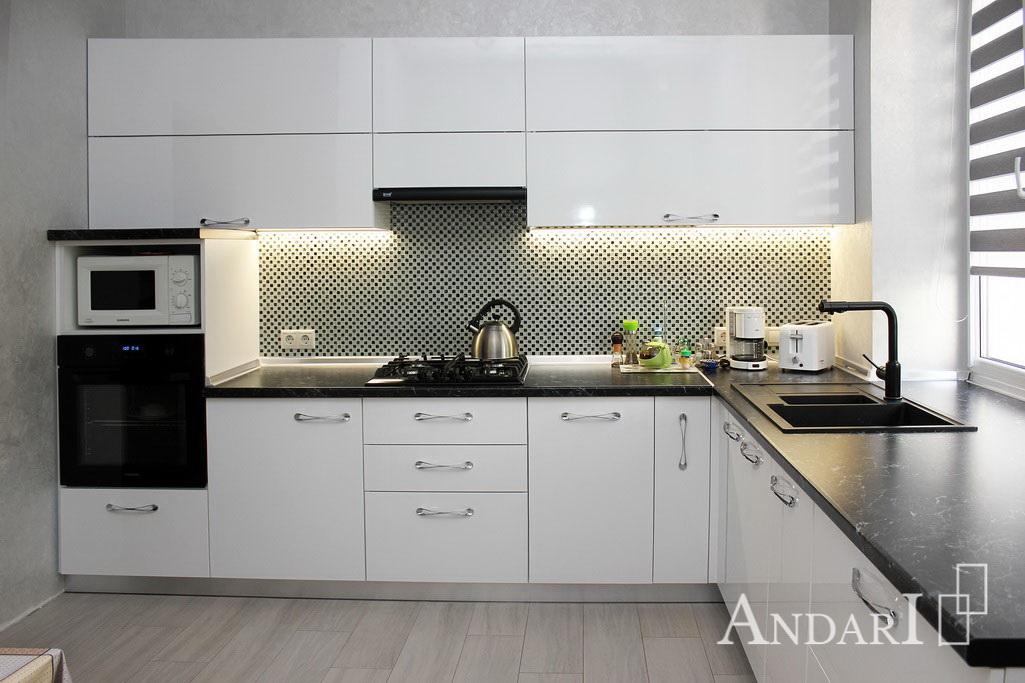 белая угловая кухня Андари