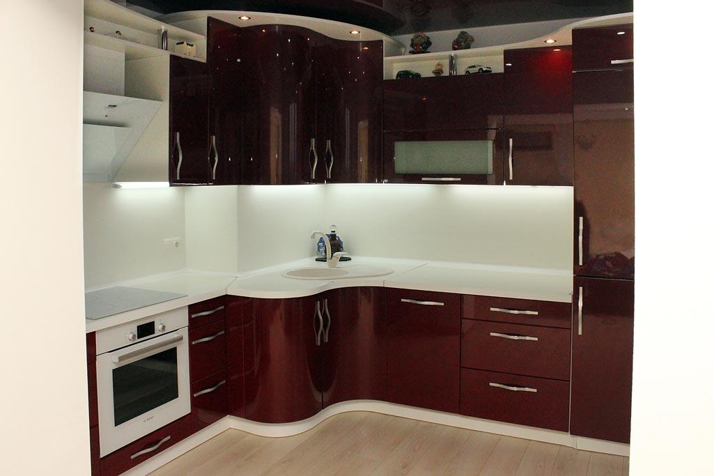 Кухня с радиусными фасадами Андари