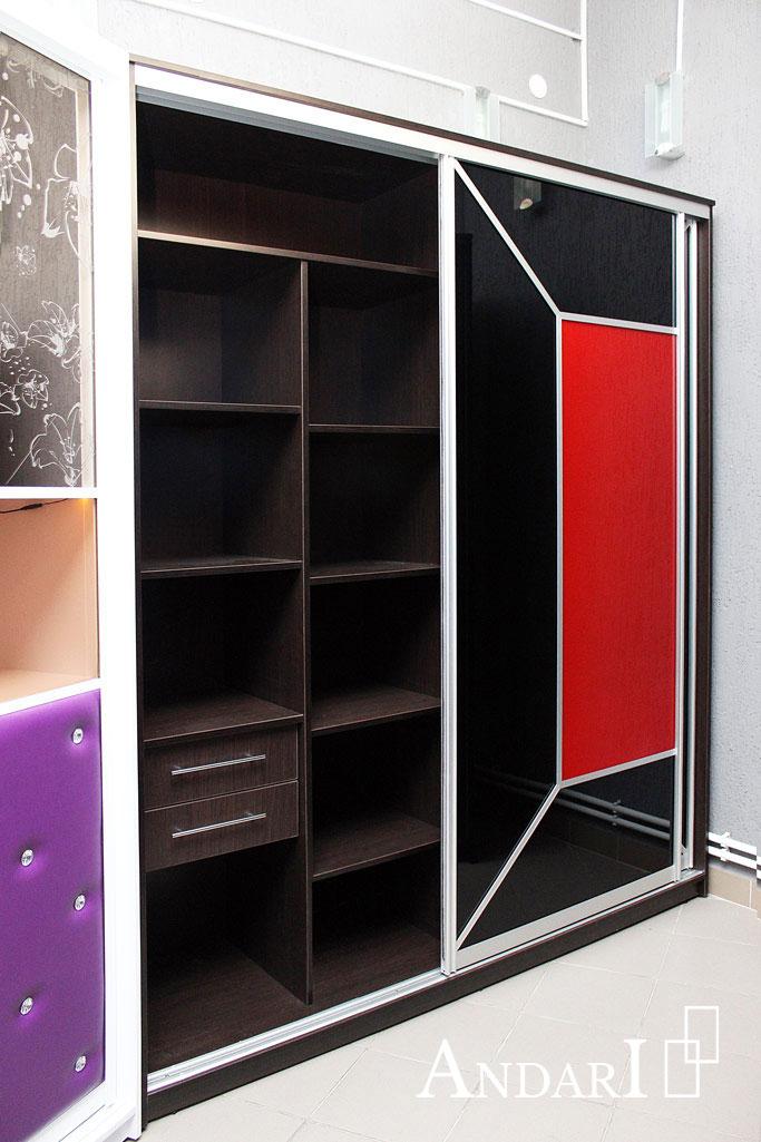 Шкаф-купе с красным и черным стеклом - Андари