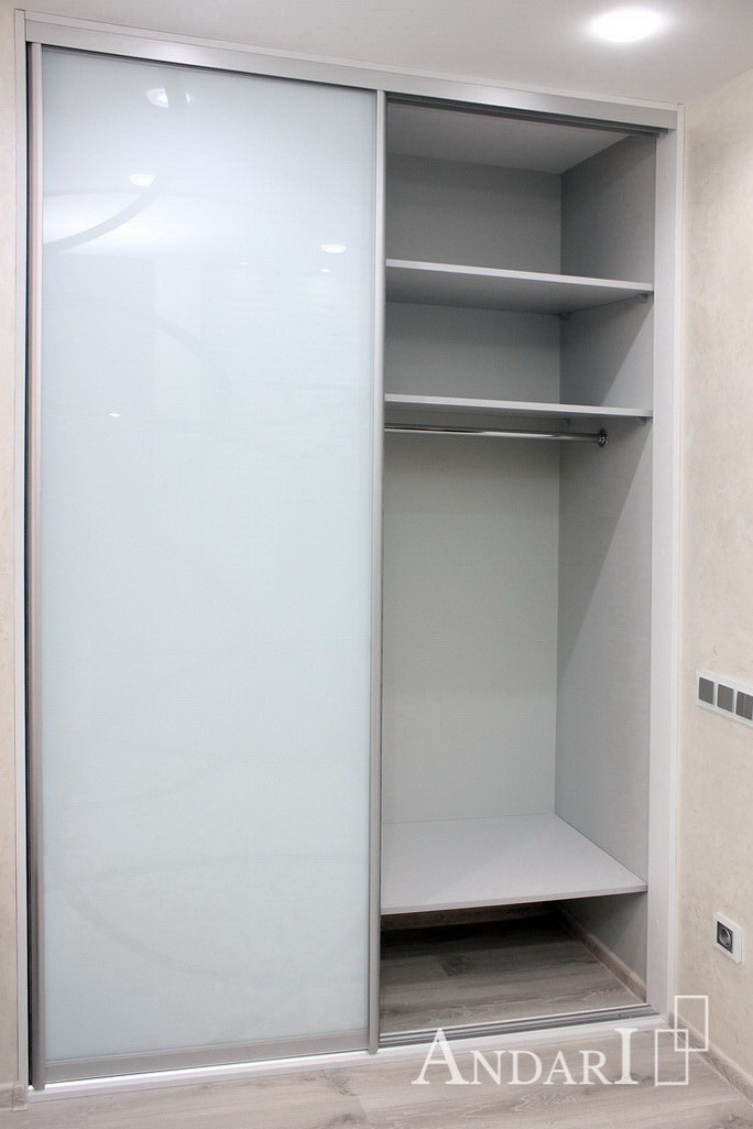 Наполнение двухдверного шкафа-купе: отделение для одежды - Андари