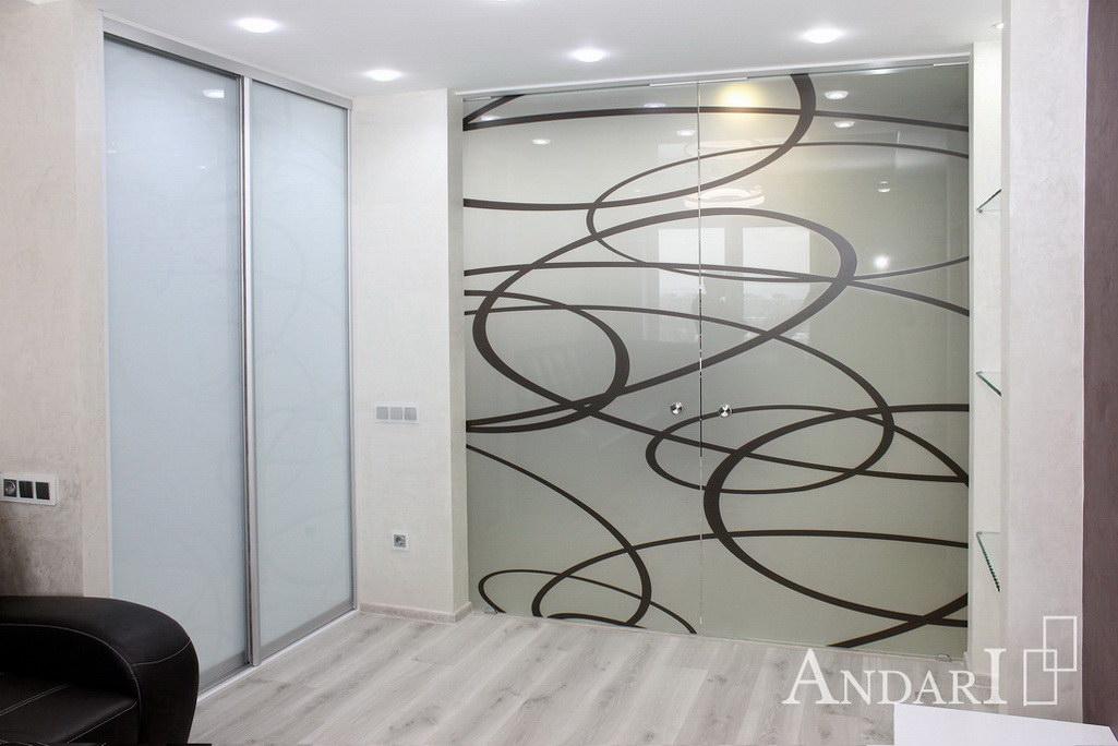 Двухдверный встроенный шкаф-купе в гостиной - Андари