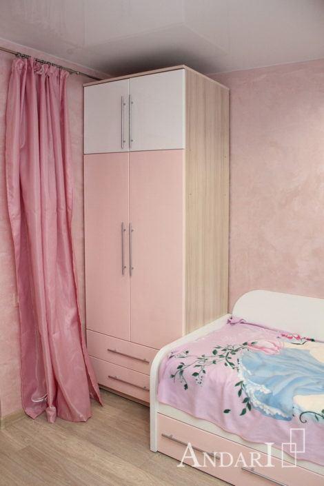 Распашной шкаф в детской - Андари