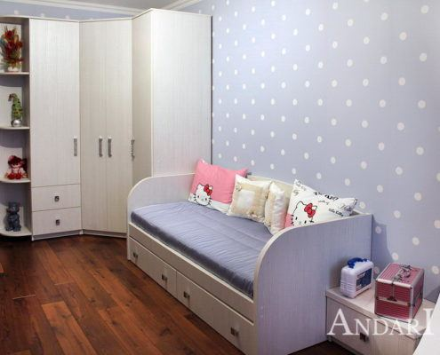 Угловой распашной шкаф в детской- Андари