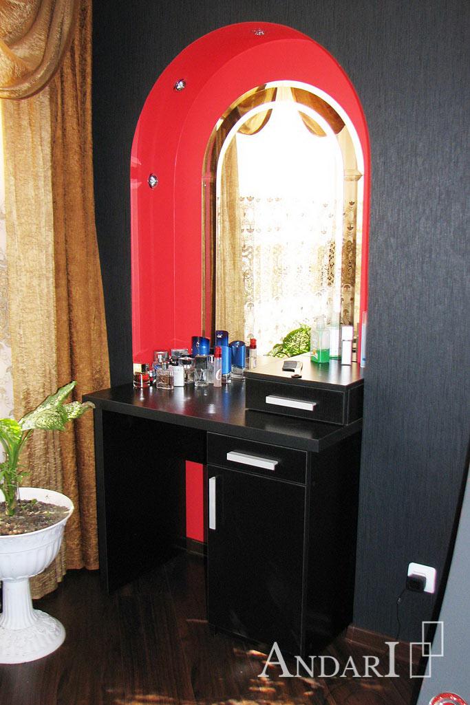 Туалетный столик черного цвета в спальне - Андари