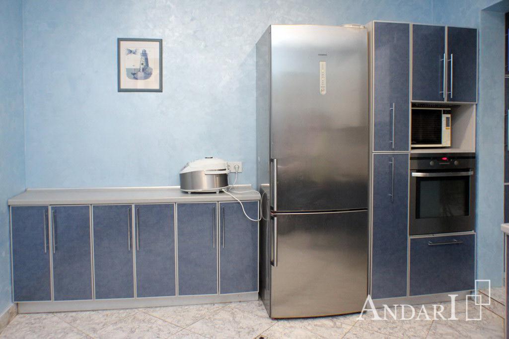 Угловая кухня из пластика в алюминиевом профиле - Андари