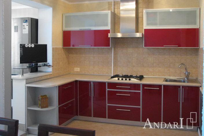 Угловая кухня с фасадом из пластика - Андари