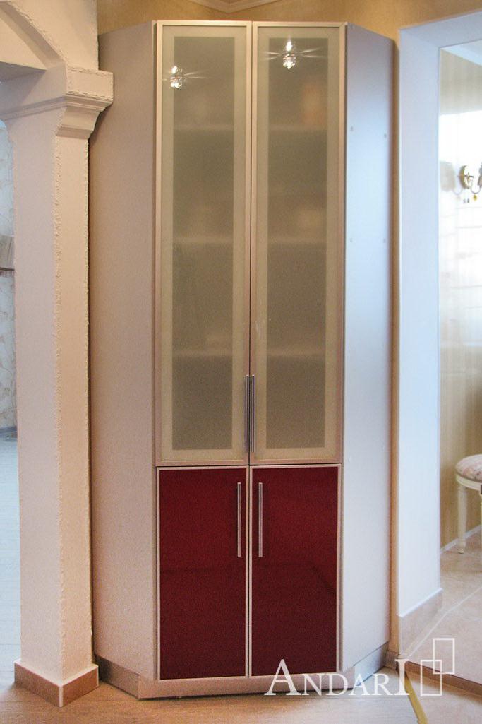 Угловой шкаф-витрина на кухне - Андари