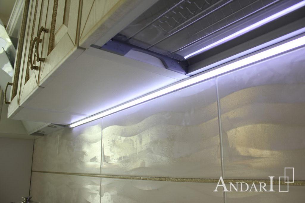 Подсветка рабочей зоны в угловом коробе на кухне - Андари