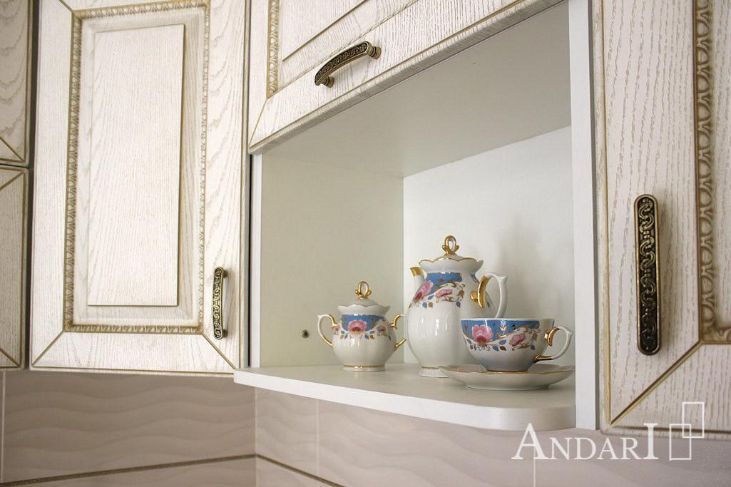 Полка для микроволновой печи в угловой кухне - Андари