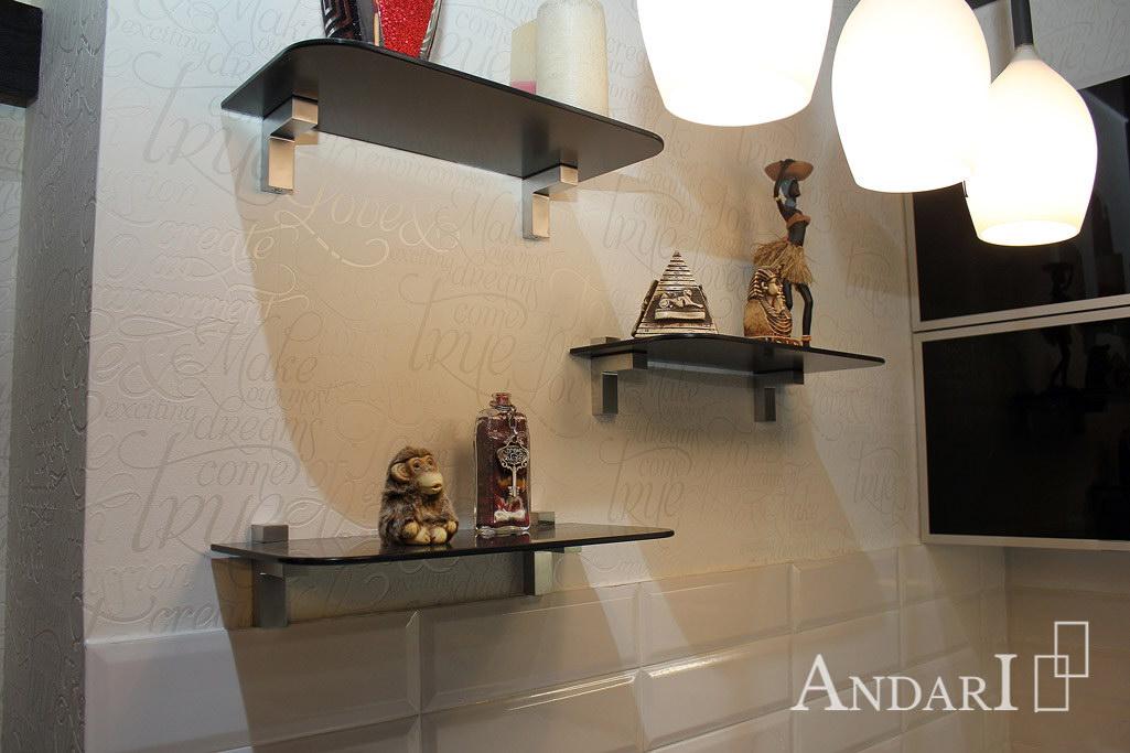 Декоративные стеклянные полки на кухне - Андари