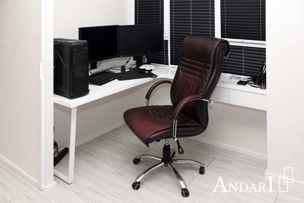 Рабочий стол в квартире-студии - Андари