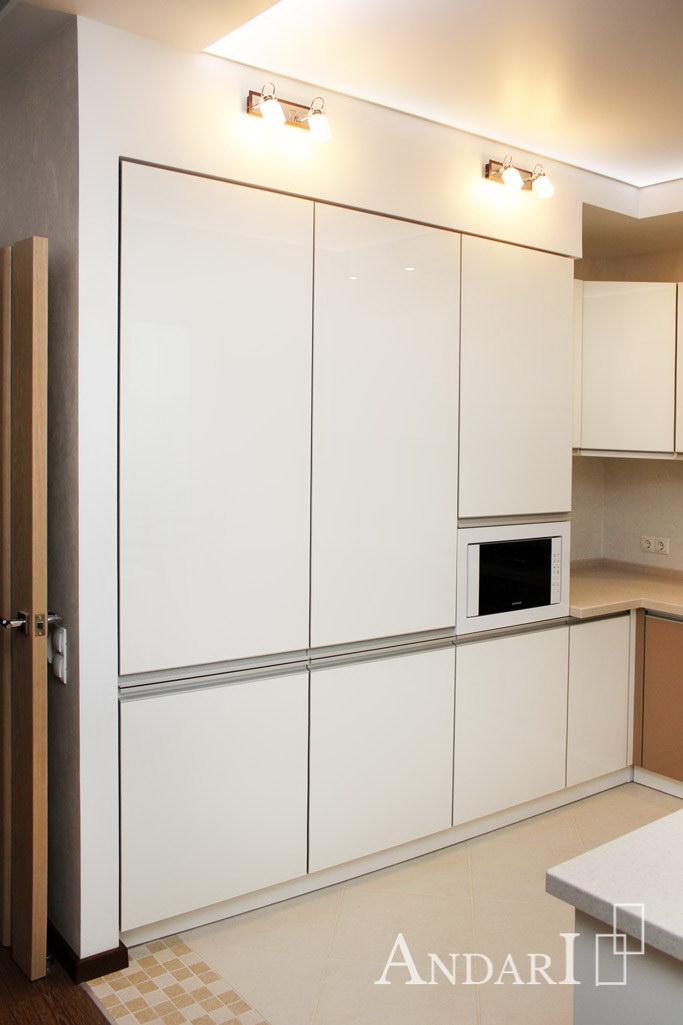 Угловая кухня из акрила: встроенный холодильник - Андари