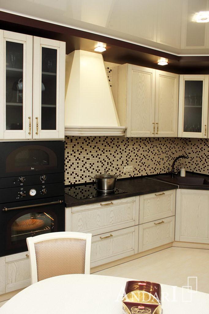 Угловая кухня из массива ясеня - Андари