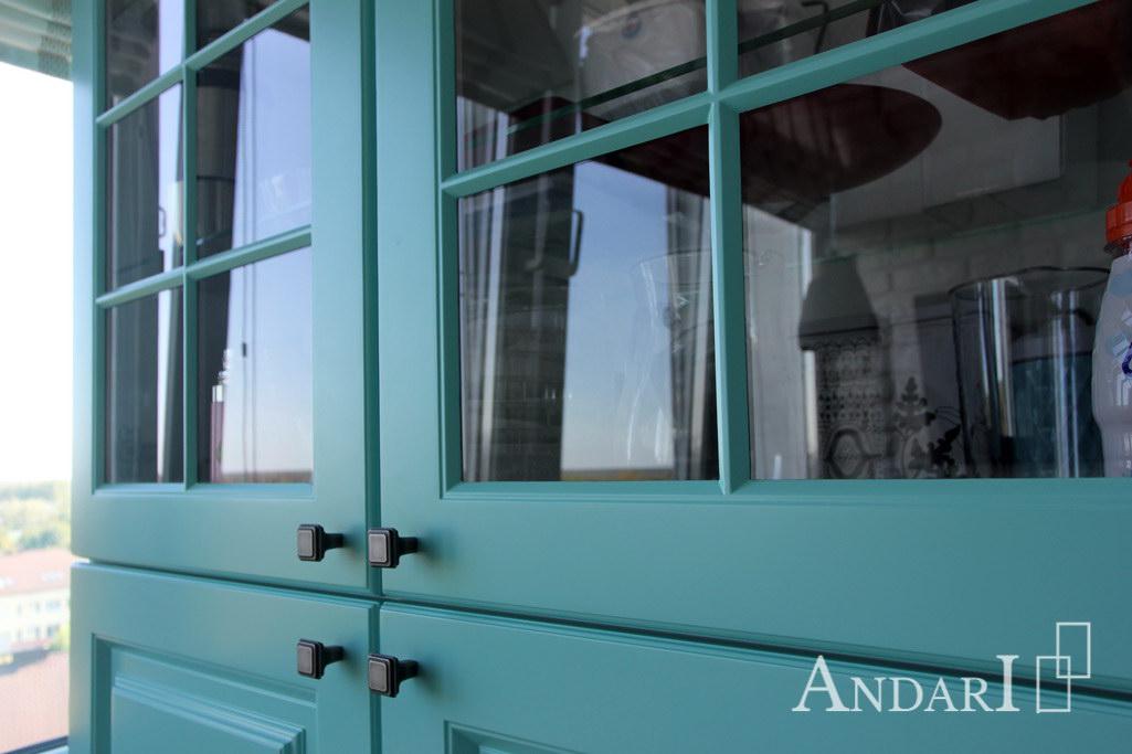Витрина из крашеного МДФ с прозрачным стеклом - Андари