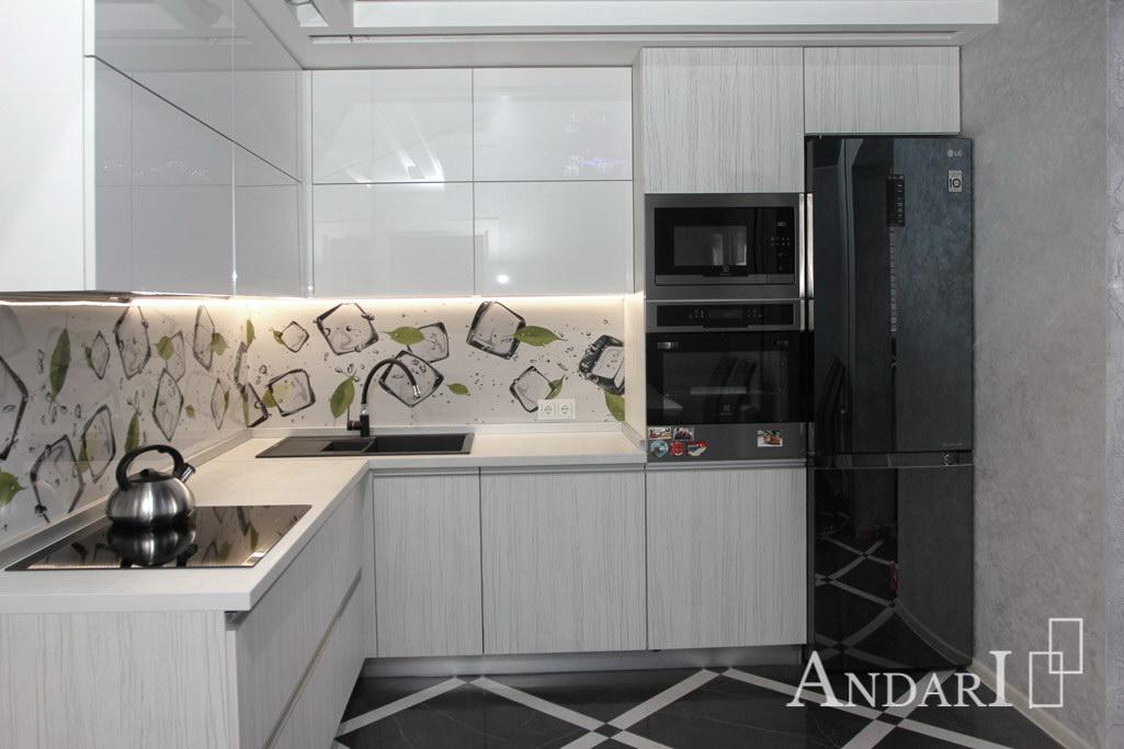 Угловая кухня из пластика с пеналом - Андари