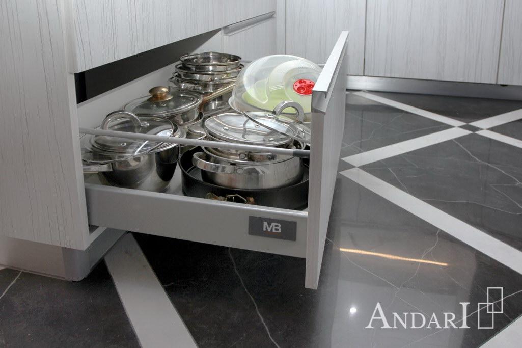 Modernbox GTV в угловой кухне из пластика - Андари