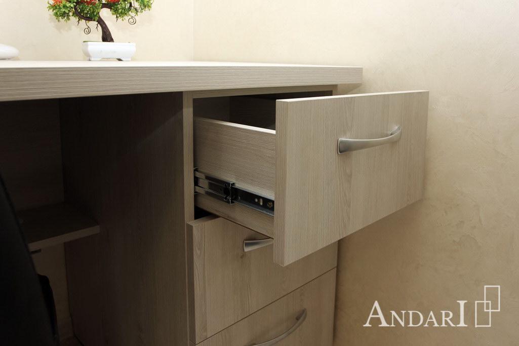 Стол с выдвижными ящиками - Андари