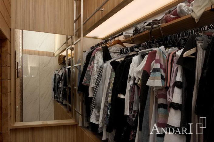 Зеркало в гардеробной комнате - Андари