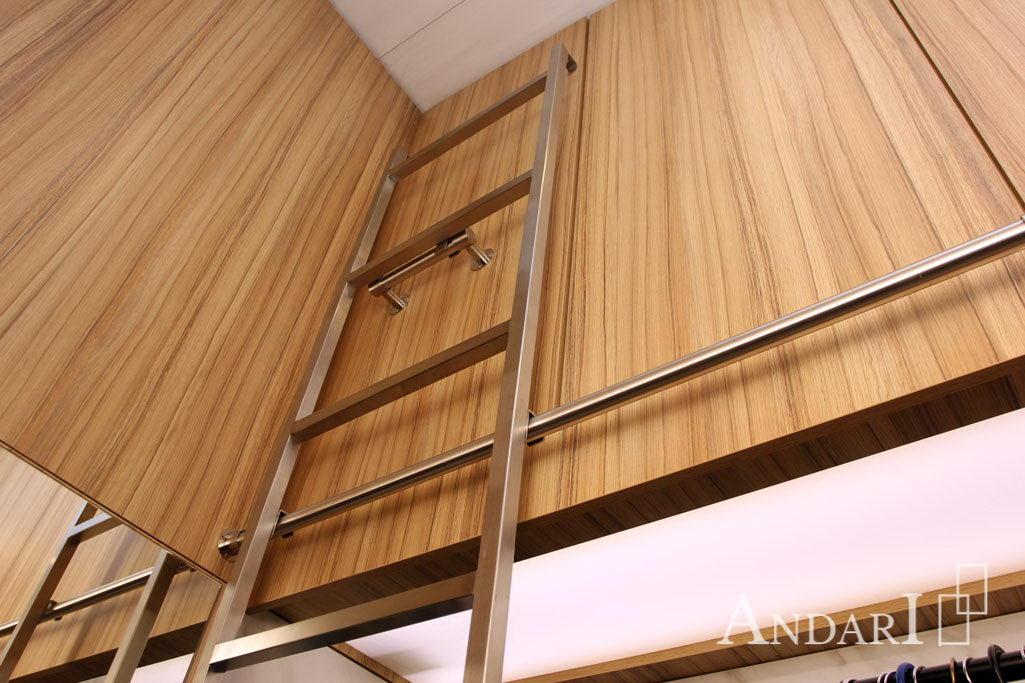 Съемная лестница с креплением в гардеробной - Андари