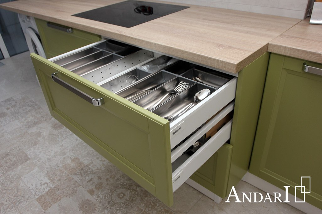 Ящики TANDEMBOX antaro BLUM на кухне - Андари
