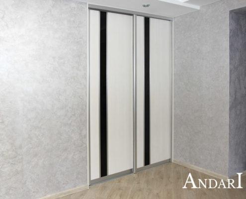 Гардеробная комната в коридоре за дверями-купе - Андари