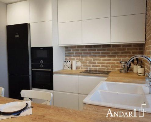 Белая полуостровная кухня. П-образная кухня. Угловая кухня