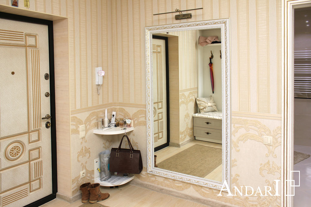 Светлая мебель для прихожей с рамочными фасадами - Андари
