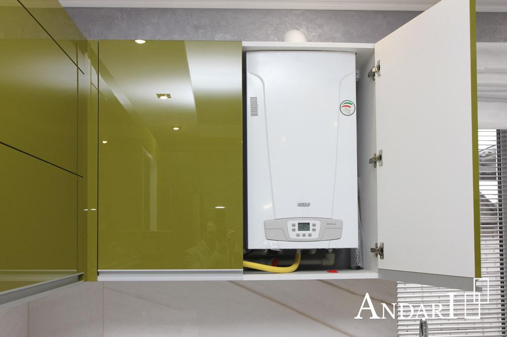 Газовый котел в верхнем ящике угловой кухни - Андари