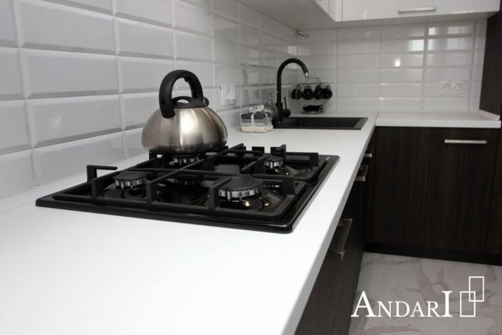 Врезная варочная поверхность на кухне
