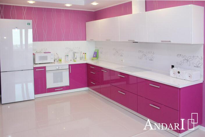 Розовая угловая кухня крашеный МДФ